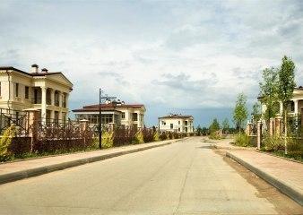 Поселок Монолит